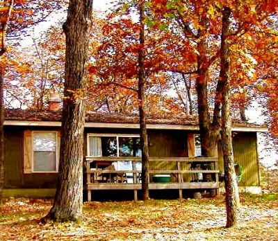 Turkey Ridge Cabin in the fall with deck out front